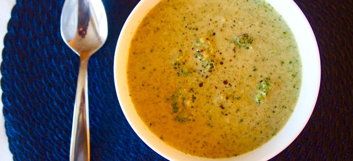 Vegan Creamy 'Cheesy' Broccoli Soup