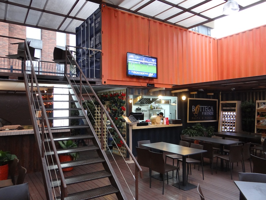 Container City dining area PCORREDOR