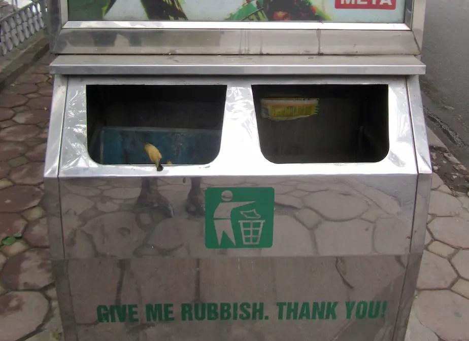 'Give me rubbish, thank you' Dual compartment bin, Kim Ma Street, Hanoi