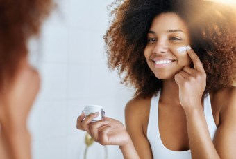 Keep Your Skin Soft and Glowing In This Winter