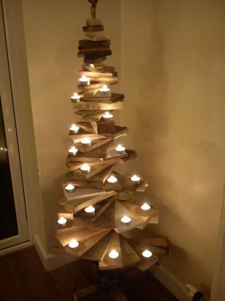 Pallet Christmas Tree - Creative Christmas Trees - This Blended home of mine