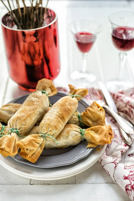Vegetarian Christmas Crackers - This Blended Home of Mine - Christmas Dinner Menu