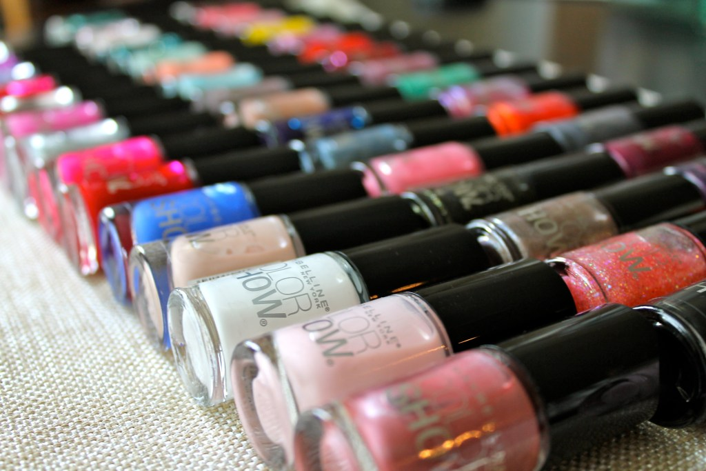 Nailpolish Lovers, Rejoice! (+ Giveaway)