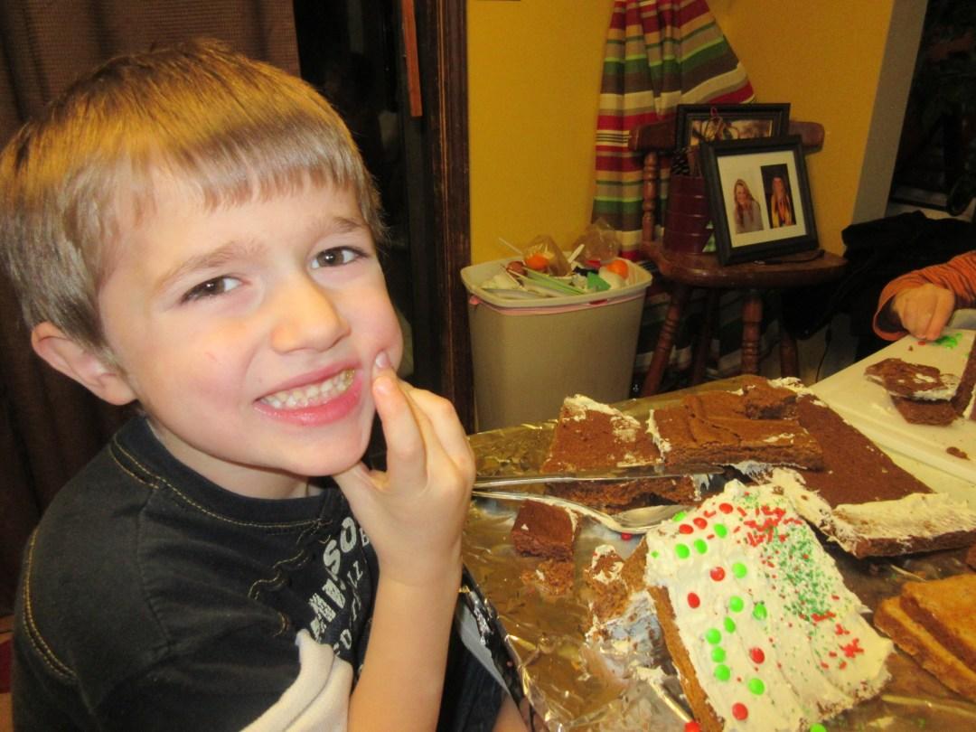 More gingerbread house fun