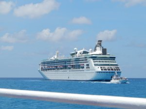The Enchantment of the Seas in Coco Cay