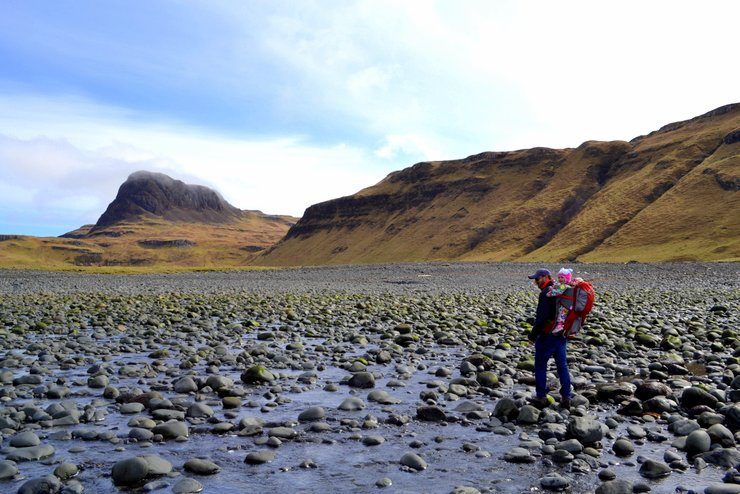Isle of skye with a toddler - Outdoor activities for kids - SKYE- Talisker bay, scotland