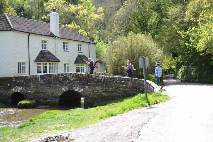 Kingswear/Dartmouth walk from dittisham devon stone bridge over river