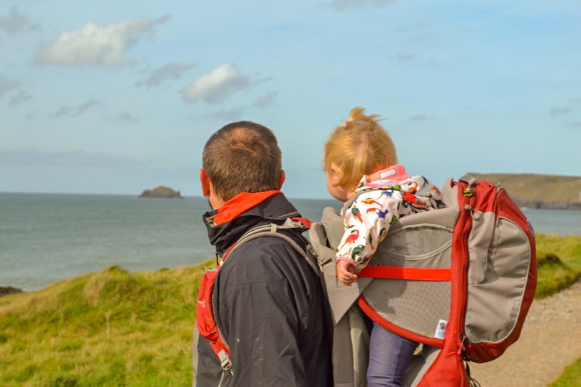 polzeath cornwall, hiking with young kids in the Osprey baby carrier