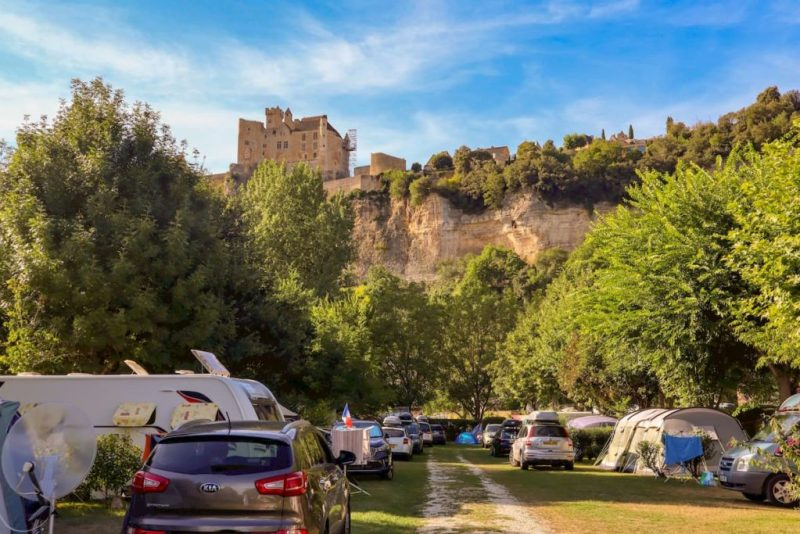 Campsites on the Dordogne river - camping le capeyrou, France