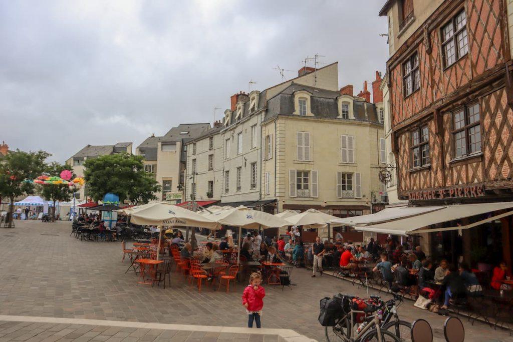 Place St Pierre Saumur