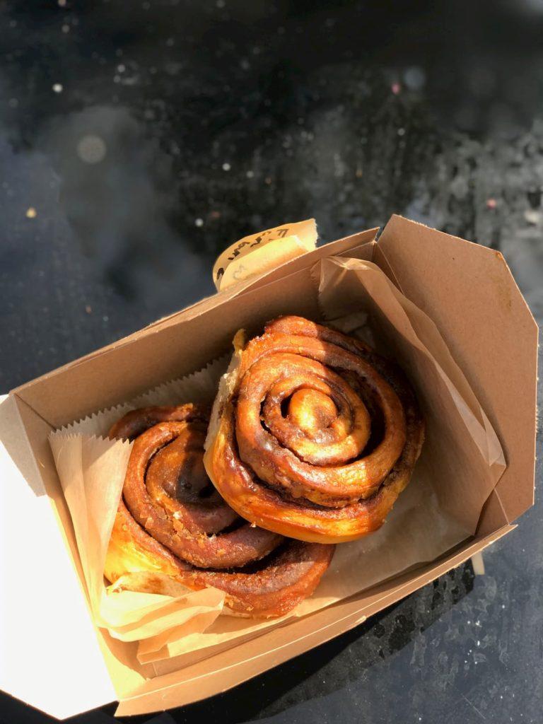 FED 303 cinnamon buns