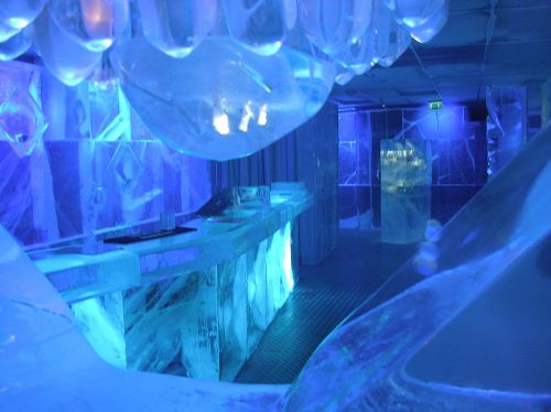1280px-Absolut_Ice_Bar_Stockholm