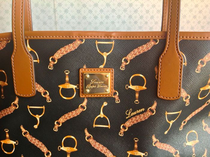 Really beautiful toffee colored leather with perfect stitching