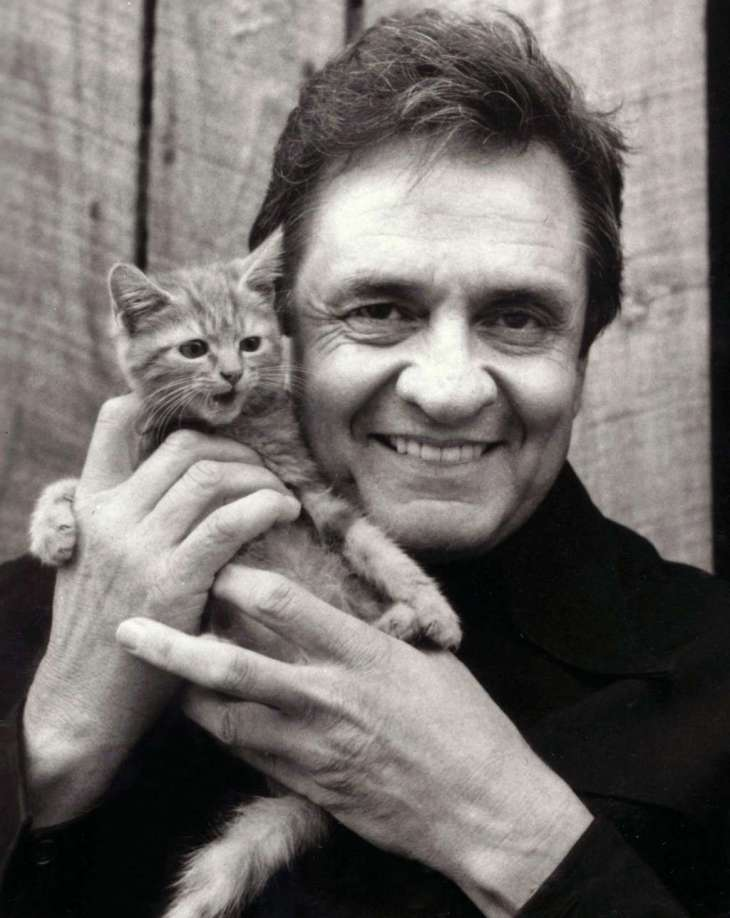 johnny-cash-recording-artists-and-groups-photo-u12