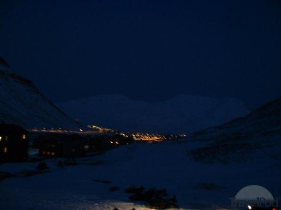 polar-night-longyearbyen