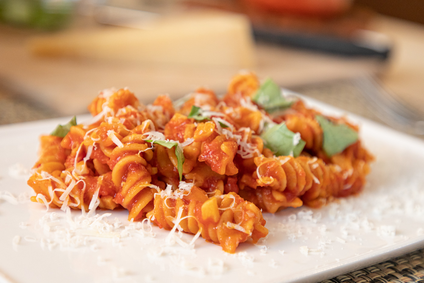 Pasta with Tomato Garlic Basil Sauce
