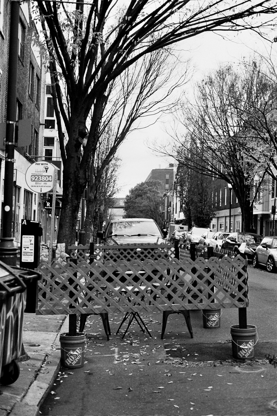 Outdoor Seating along South Street