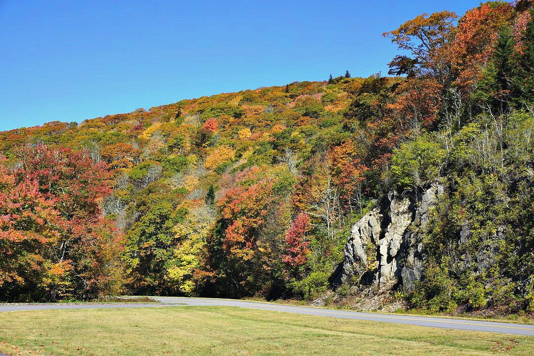 Blue Ridge Parkway fall drive | thisdarlingworld.com