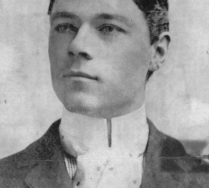1900–Washingtonsells eight players, including home run kingBuck Freemanand PBill Dinneengoing toBoston, thendisbands.Baltimoreplayers are to be transferred to theBrooklyn Superbasandsyndicate baseballwill be ended.