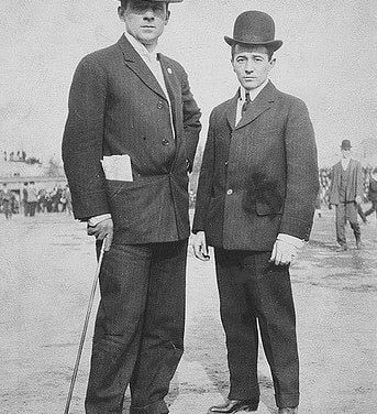 1906 – John McGraw and jockey Tod Sloan open a billiard parlour at 34th Street and Broadway, which soon becomes a popular and profitable hangout for New York City's sporting life.