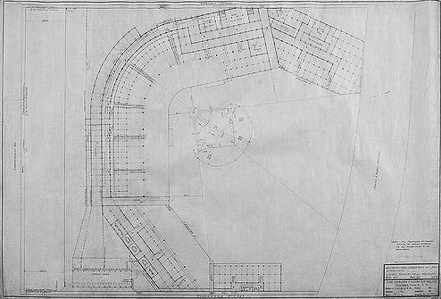 1915– TheBoston Bravesbreak ground on Commonwealth Avenue and begin construction ofBraves Field. OwnerJames E. Gaffneywants a large enough park so thatinside-the-park homerscan be hit in three directions. The field will open onAugust 18th.