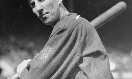 Hank Gowdy of the Boston Braves becomes the first major leaguer to enlist in World War I
