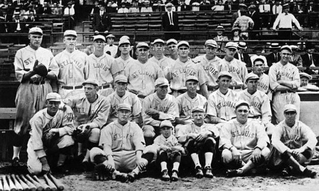 With aSt. Louisrecord crowd of 29,000 on hand, theBrownstop theCardinals, 6 – 3, to win their City Series.