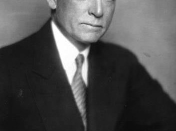 """SenatorspresidentClark Griffithgains approval to have Washington open theAmerican Leagueseason one day before the rest of the league, to celebrate a """"National Day"""" with the U.S. president throwing out thefirst ball. The AL also installsErnest S. Barnardas its president."""