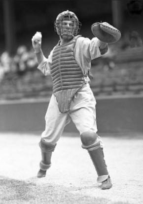 DetroitCRay Hayworthmakes his firsterrorof the season after handling 439 chances without a miscue dating back toSeptember 2,1931.