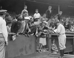 August 12, 1934 - 41,766 turn out to Fenway Park to see what will probably be Babe Ruth's last game in Boston. In game one of the doubleheader, Ruth goes 2 for 5 with a double, but misplays a Billy Werber line drive into a triple. Ruth is 0 for 1 with two walks in the second game, leaving in the 6th inning. He will in fact return to Hubtown in 1935, when he finishes his playing career with the Boston Braves.