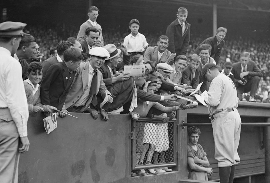 41,766 turn out toFenway Parkto see what will probably beBabe Ruth's last game inBoston