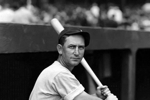 1936– TheChicago White SoxandPhiladelphia A'sset anAmerican Leaguerecord for mostruns scoredby two teams, as the White Sox win, 21 – 14, in the nitecap. Chicago OFRip Radcliffties an AL record with sixhits(4 singles and 2 doubles) in seven at bats in the 9-inning game. The Sox also win the opener, 7 – 4.