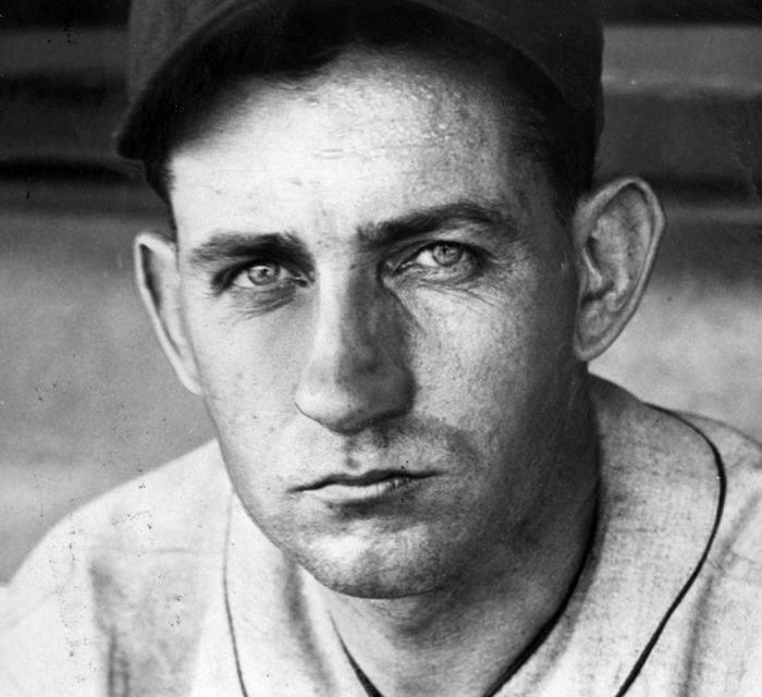 For the first time in his career,Charlie Gehringerof theDetroit Tigershits for thecycle, in a 12 – 5 win against theSt. Louis Browns. Gehringer does it in order – single, double, triple, home run.