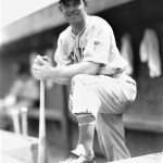 1942 - The Giants' Mel Ott collects his 2,500th hit in a 5 - 5 tie in Chicago in game 2. In the opener, the Giants win, 8 - 6, as Ace Adams beats Hi Bithorn.