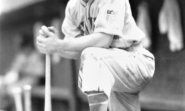 1942 – The Giants' Mel Ott collects his 2,500th hit in a 5 – 5 tie in Chicago in game 2. In the opener, the Giants win, 8 – 6, as Ace Adams beats Hi Bithorn.