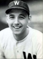 Washington Senators outfielder Stan Spence goes 6-for-6 against Browns