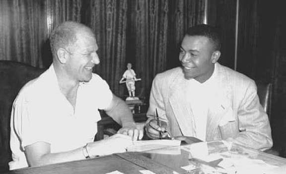 In anticipation of the signing of the team's firstblack players,Bill Veeck, a resident ofPhoenix, Arizona, sets up aspring trainingcamp there for theCleveland Indians. Arizona is chosen because of its relatively tolerant racial climate. During the season, Veeck will sign theAmerican League's first black player,Larry Doby, who will train at the camp. TheNew York Giantsalso set up camp in Arizona, while theBrooklyn Dodgersmove their training camp fromFloridatoHavana, Cuba.