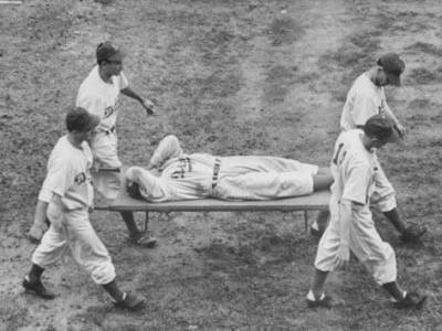 In the 5th inning atEbbets Field'DodgersOFPete Reisercrashes into thefenceand is knocked unconscious. He still manages to hold onto the long fly byCulley Rikardto help the Dodgers win overPittsburgh, 9 – 4. In theclubhouse, a priest administers the last rites of the Catholic Church to Reiser' who will be hospitalized for 10 days.