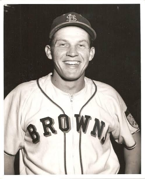 Browns rookie Bob Nieman hits two home runs in his first two ML at bats, a record unequaled. They come against Mickey McDermott of the Red Sox, but Boston still wins 9 – 6. Boston has homers by Dom DiMaggio, Ted Williams, and Walt Dropo.