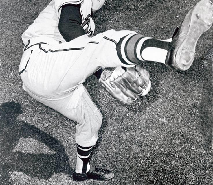 1956 – Sparked by Warren Spahn's 2-hit pitching and the clutch hitting of Joe Adcock' the Braves beat the Cards' 3 – 1. Adcock has 3 RBIs. Despite the win' the Braves' lead is cut to 2 games as the Dodgers sweep a pair from the Giants.
