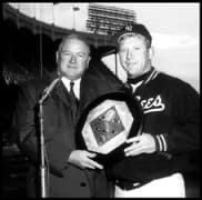 Mickey Mantle barely edges Ted Williams in the 1957 AL MVP