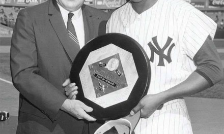 New York YankeescatcherElston Howardbecomes the first black player to win theAmerican League MVP Award. Howard beats outAl Kalineof theDetroit Tigersby 248 votes to 148 in the balloting.