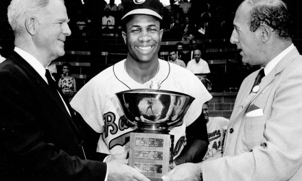 Triple CrownwinnerFrank Robinsonof theBaltimore Oriolesis the unanimous choice asAmerican League MVP. He becomes the first major league player to win the award in both leagues.