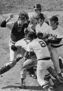 Thurman MunsonandCarlton Fiskbrawl atFenway Park. With a 2 - 2 score in the top of the 9th, Munson, attempting to score from third on a missedbuntbyGene Michael, crashes into Fisk and they both come up swinging.Bostonwins, 3 - 2, in the bottom of the inning.