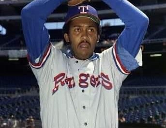 TheTexas Rangersre-acquire futureHall of FamepitcherFerguson Jenkinsfrom theBoston Red Soxfor pitcherJohn Poloniand cash. Jenkins, who won only 10 games in1977, will put together an 18-win season for the Rangers in1978.
