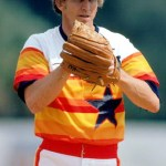 Don Sutton, the winningest pitcher inLos Angeles Dodgershistory, signs a four-year contract with theHouston Astros. Sutton posted a 13-5 record in1980with aNational Leagueleading 2.21ERA.