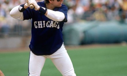 Chicago White Sox sign prized free agent catcher Carlton Fisk