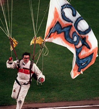 Michael Sergio, aMetsfan who parachuted intoShea Stadiumduring Game 6 of theWorld Series, is sentenced to 100 hours of community service and fined $500.