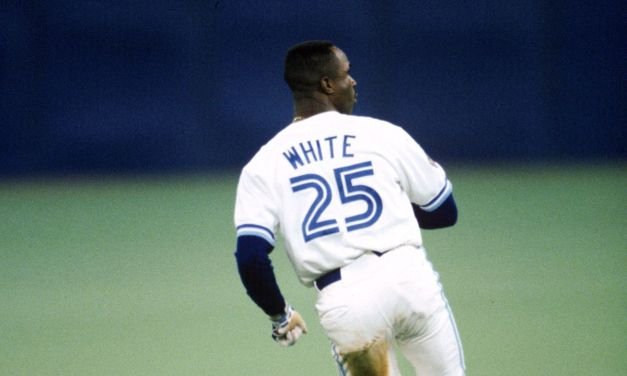 Devon Whiteof theToronto Blue Jaysbecomes just the sixth player in major league history to hit both a leadoff home run and an extra-inning homer in the same game.