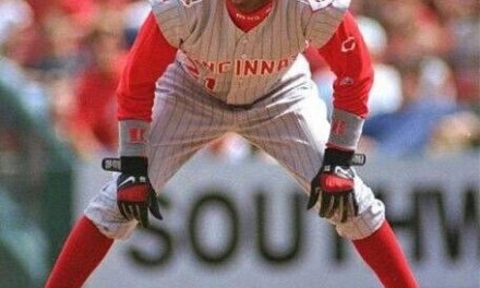 The Braves trade OF Deion Sanders to the Reds in exchange for OF Roberto Kelly and minor league P Roger Etheridge.
